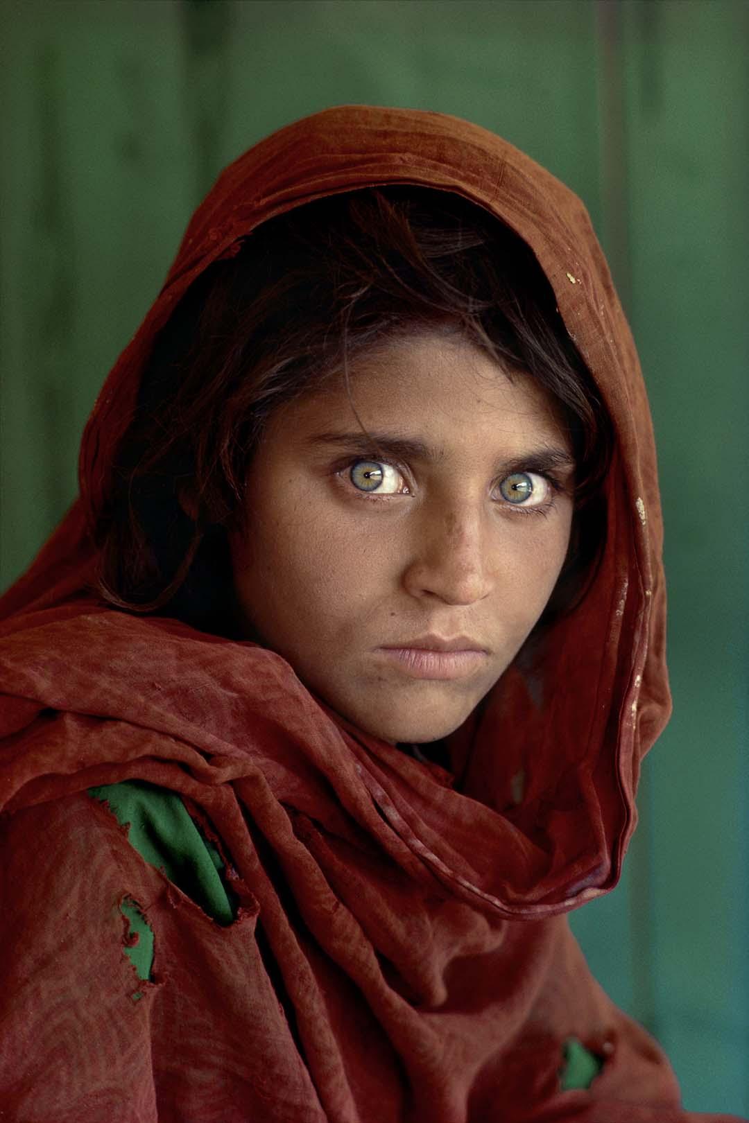 7f348039e Sharbat Gula, Afghan Girl, at Nasir Bagh refugee camp near Peshawar,  Pakistan,