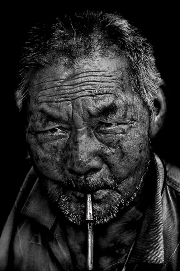 Traditional smoking: Chine 2014, Wase, province du Yunnan © André Alessio