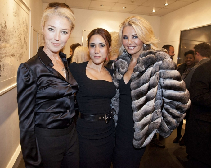 Tamara Beckwith, Lily Hodges, and Claire Caudwell at The Little Black Gallery Christmas Party rn