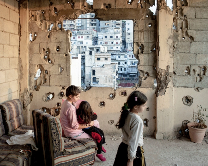 LEBANON. Tripoli. November 2013. The interiors of an apartment on Syria streets destroyed by the fights , where the sectarian fights between Sunnis and Shiite are more violents. © Lorenzo Melonin