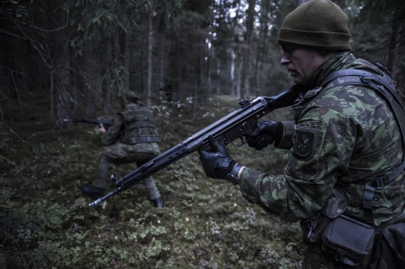 © Mattia Vacca Young recruits train in the forests in Central Lithuania. A great number of reservists participate in in-the-field training session over the weekend, only to resume their ordinary lives during the rest of the week.