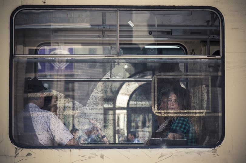 © Didier Bizet The trammay crosses the city by the sniper Alley. Sarajevo 2015. Le tram traverse la ville en prenant la Sniper Alley. Sarajevo mai 2015.