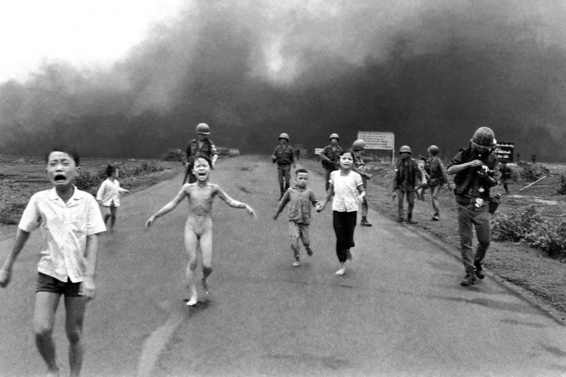 nick ut napalm girl village