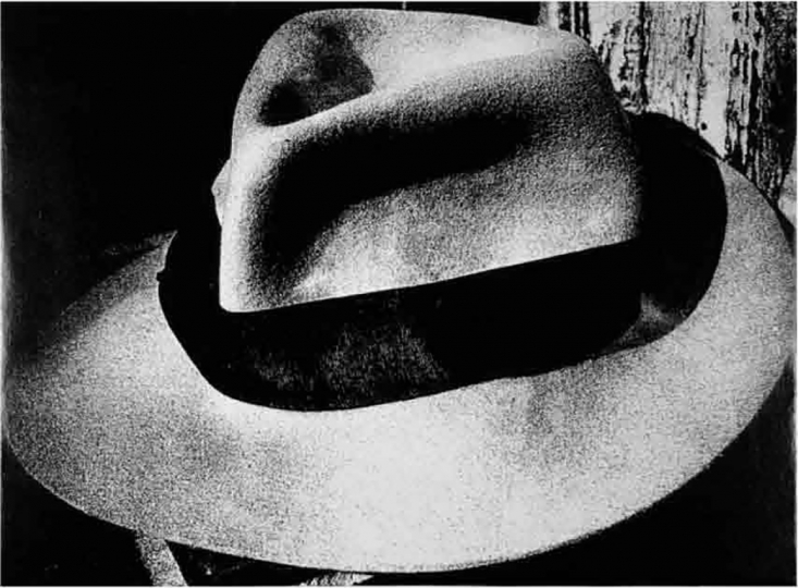 © Daido Moriyama, Light and Shadow, 1980, Silver gelatin print, 27.9 x 35.6 cm, Courtesy of Three Shadows + 3, Beijing