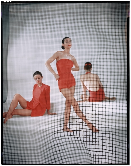 ©The Estate of Erwin Blumenfeld, Variante de la photographie parue dans Vogue US, Mai 1946