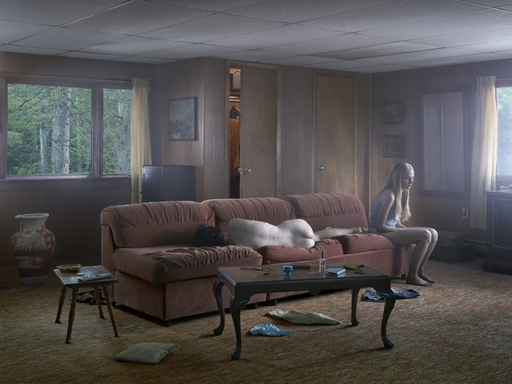 The Den, 2013 © Gregory Crewdson. Courtesy Gagosian and Galerie Templon