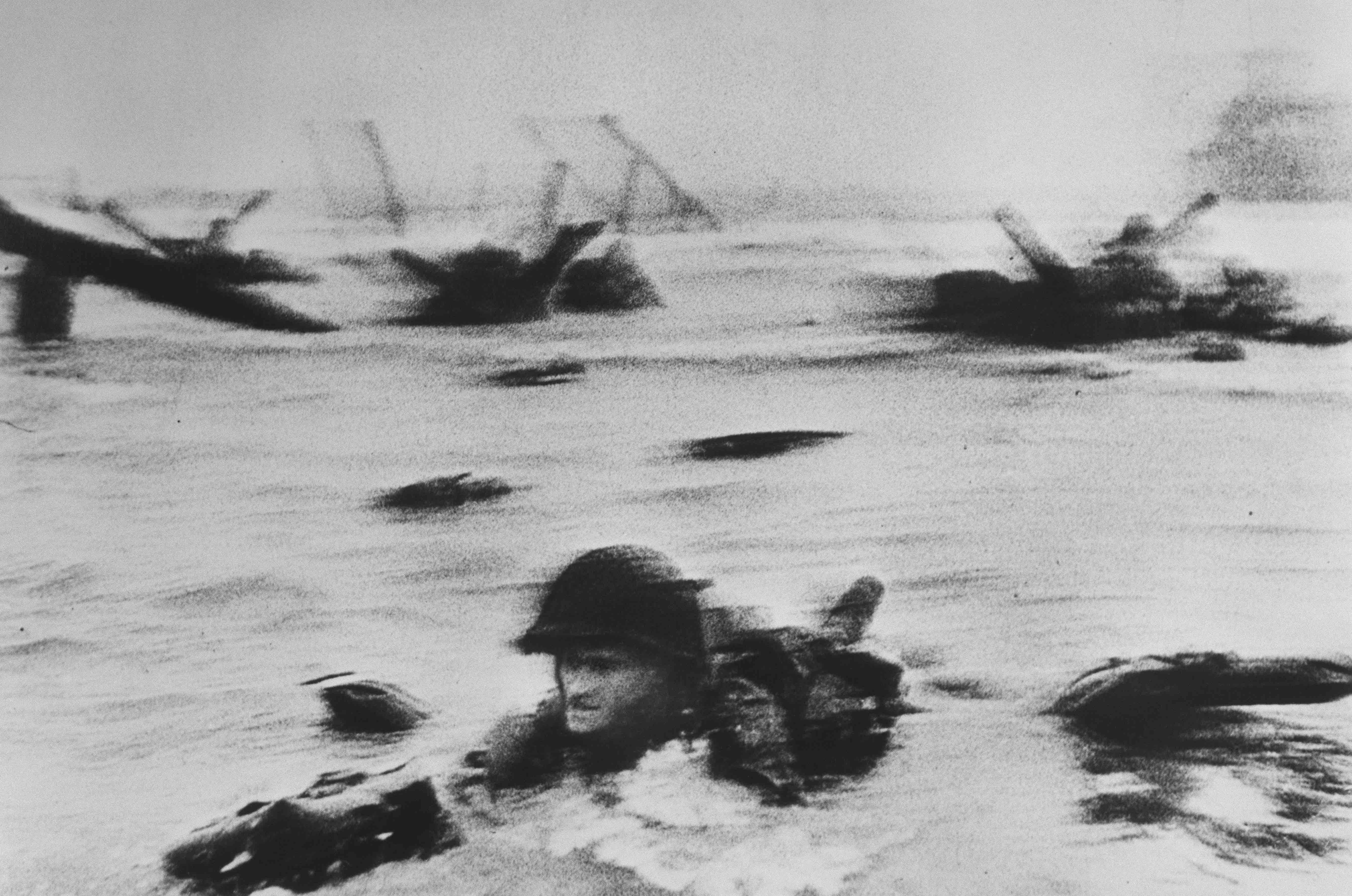 France, Normandy, June 6th 1944 © Robert Capa / International Center of Photography.
