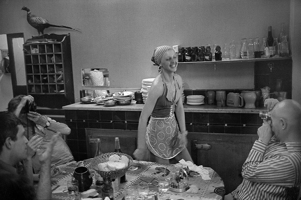 Cauta i Arles Housewife AGEN se intalne te cu femeile