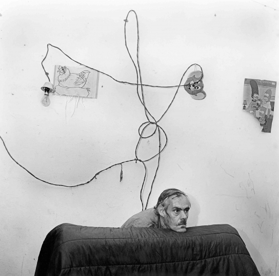 Roger Ballen, Head Below Wires, 1999 © Roger Ballen