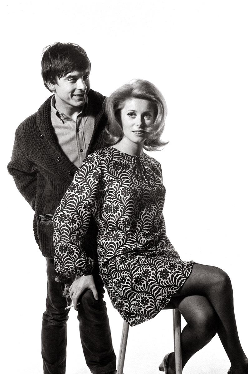 b2f6639cc8d ... auction by Paris Match at Cornette de Saint Cyr. L homme que Catherine  Deneuve a épousé l année précédente est une icône du swinging London    David ...