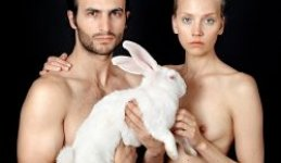 "Dimitris Yeros: ""Nothing is shameful or sinful in the naked…"