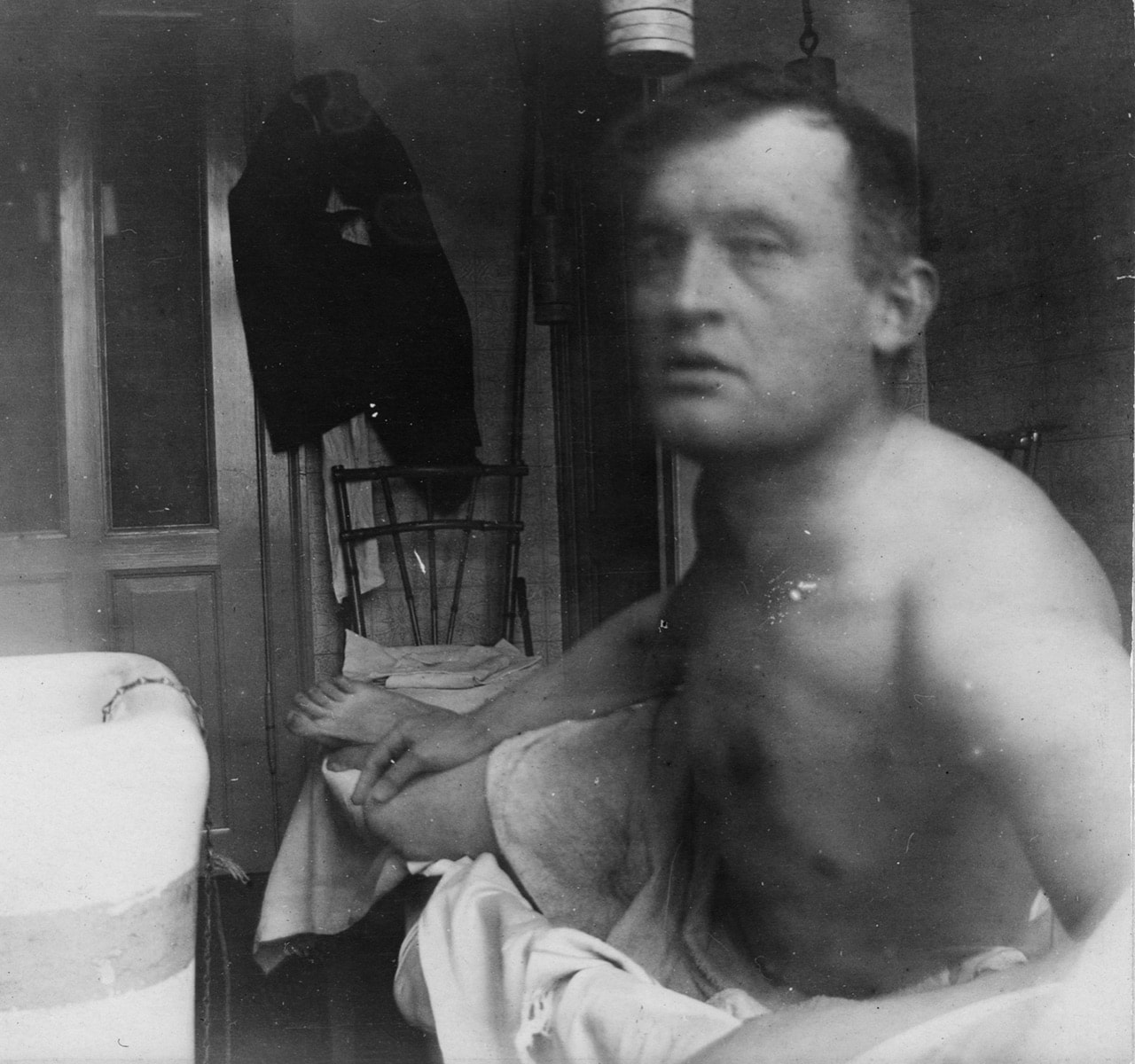 Self-Portrait 'à la Marat,' Beside a Bathtub at Dr. Jacobson's Clinic, 1908-09, Edvard Munch © Munch Museum