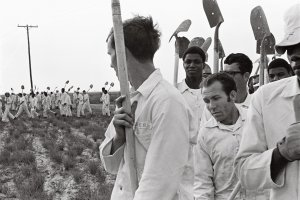 Aperture Foundation : Prison Nation, around incarceration in the United…