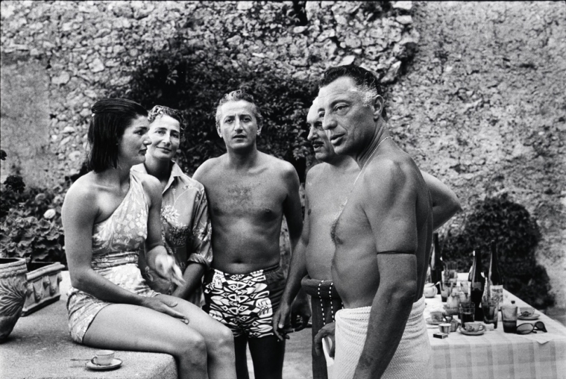 Ravello (Italie), 1962 - from left to right, Jackie Kennedy, Susanna Agnelli, Benno Graziani, Prince Stanislas Radzivill, Gianni Agnelli