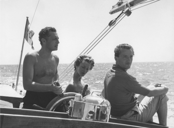 Gianni Agnelli, Marella Agnelli, and Benno Graziani (July 1957) Photo12/Benno Graziani
