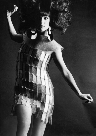 « Elsa Martinelli, Paco Rabanne» , Série Vogue Italie. Rome, 1967 © Studio Willy Rizzo