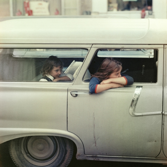 'Two girls in a car, Washington D.C., 1967' © Mario Carnicelli