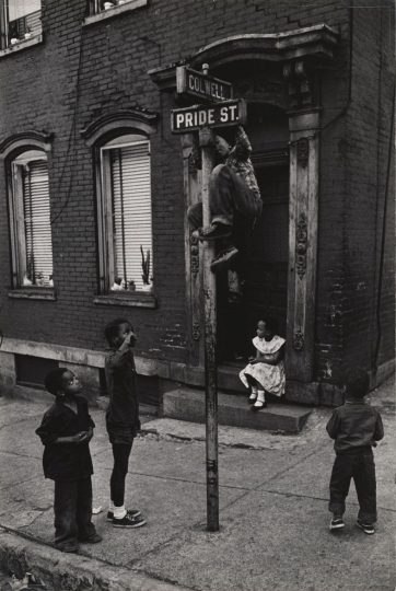 W. Eugene Smith, USA, 1918-1978, Children playing at Colwell and Pride Streets, Hill District, 1955-1957, gelatin silver print , 34.61 x 23.18 cm, Gift of the Carnegie Library of Pittsburgh, Lorant Collection ©W. Eugene Smith / Magnum Photos