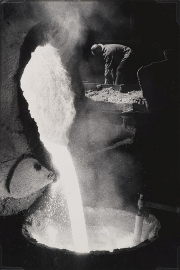 W.Eugene Smith, USA, 1918-1978, Steel mill, 1955-1957, gelatin silver print, 34.29 x 22.86 cm, Gift of the Carnegie Library of Pittsburgh, Lorant Collection ©W. Eugene Smith / Magnum Photos