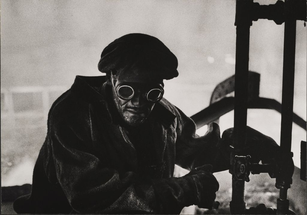 W.Eugene Smith, USA, 1918-1978, Steelworker, 1955-1957, gelatin silver print, 23.49 x 33.34 cm, Gift of Vira I. Heinz Fund of the Pittsburgh Foundation, ©W. Eugene Smith / Magnum Photos