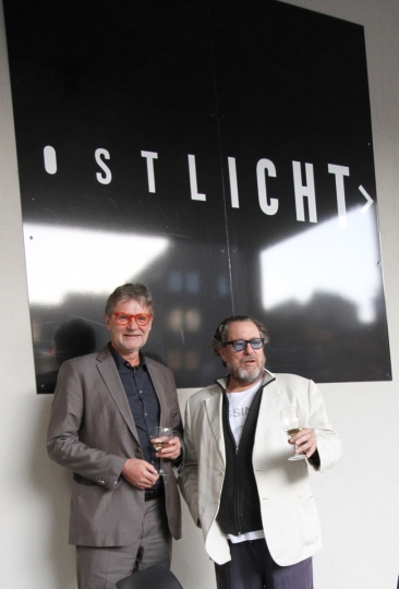 Peter Coeln and Julian Schnabel at OstLicht Gallery, Vienna, 2017 © OstLicht. Gallery for Photography