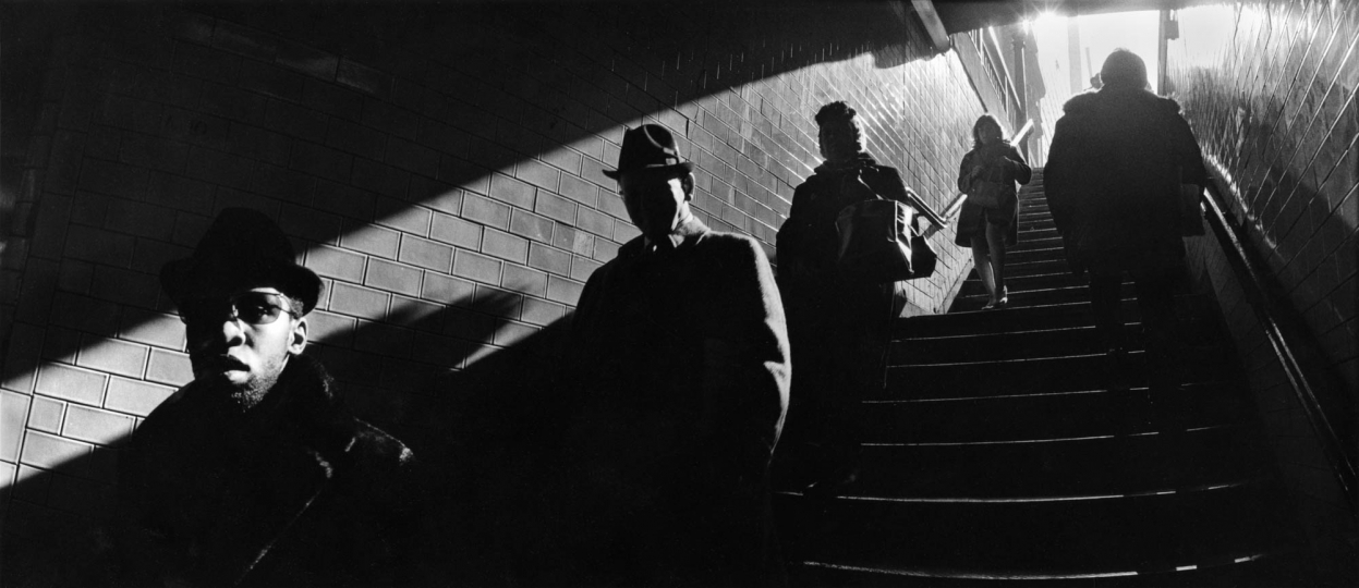 Ascending the Subway Stairs, 1970 © HaroldFeinstein, Courtesy Galerie Thierry Bigaignon