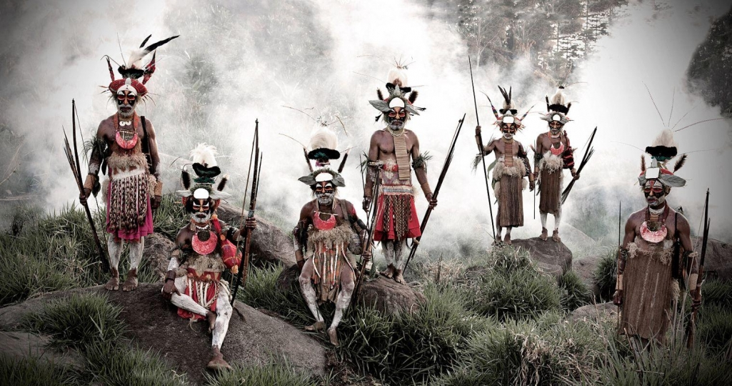 XV 78 - Keke Kombea, Tande Mala, Lebosi Kupu, Mumburi Mupi, John Kundi, Menaja Koke, Likekaipia Tribe - Ponowi Village, Jalibu Mountains, Western Highlands - Papua New Guinea, 2010 © Jimmy Nelson