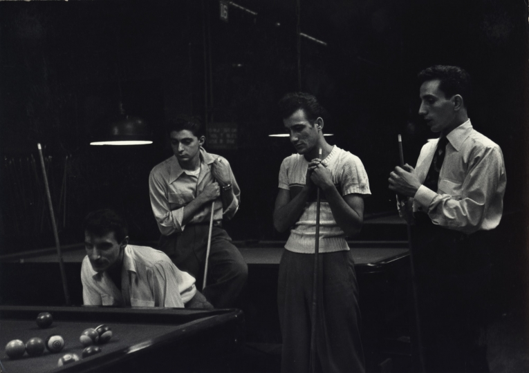 Pool Players, New York City, ca. 1945 © Dan Weiner, Courtesy Steven Kasher Gallery