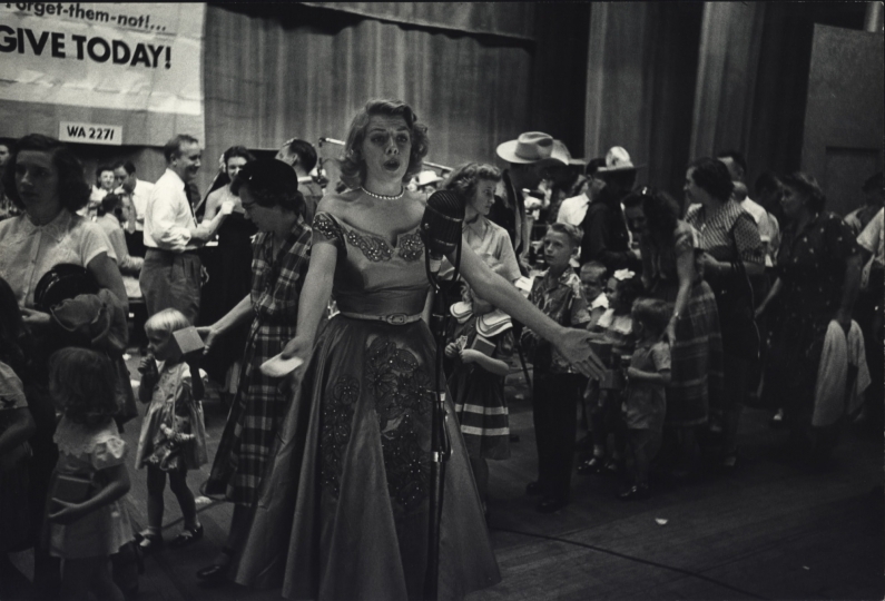 Rosemary Clooney Singing at Telethon, New York City, ca. 1950 © Dan Weiner, Courtesy Steven Kasher Gallery