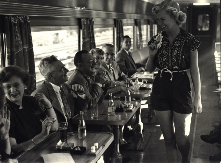 Fashion Show on Train, New Haven Railroad, 1949 © Dan Weiner, Courtesy Steven Kasher Gallery