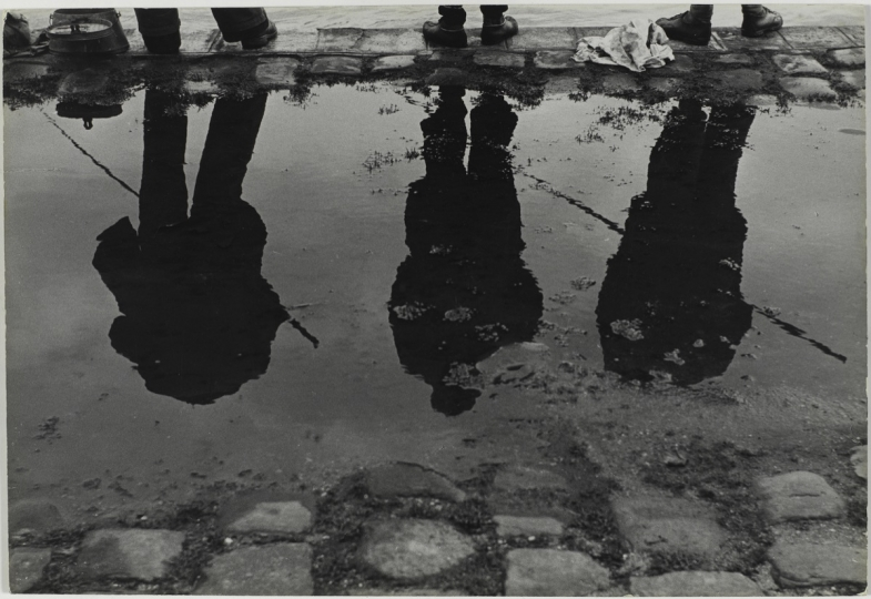 Bords de Seine, Paris, France, 1952 © Centre Pompidou, MNAM-CCI/ Philippe Migeat/Dist. RMN-GP © Sabine Weiss