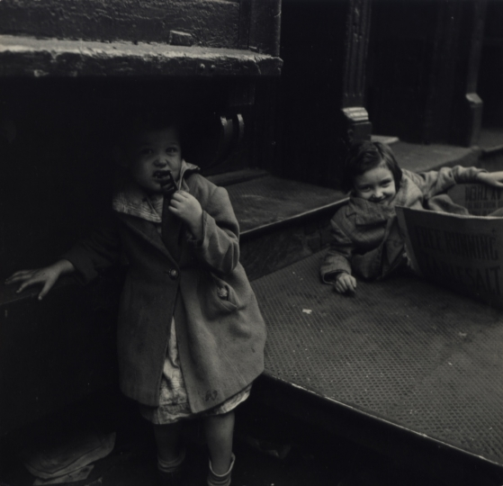 Little girls playing by the sidewalk, New York City, ca. 1945 © Sandra Weiner