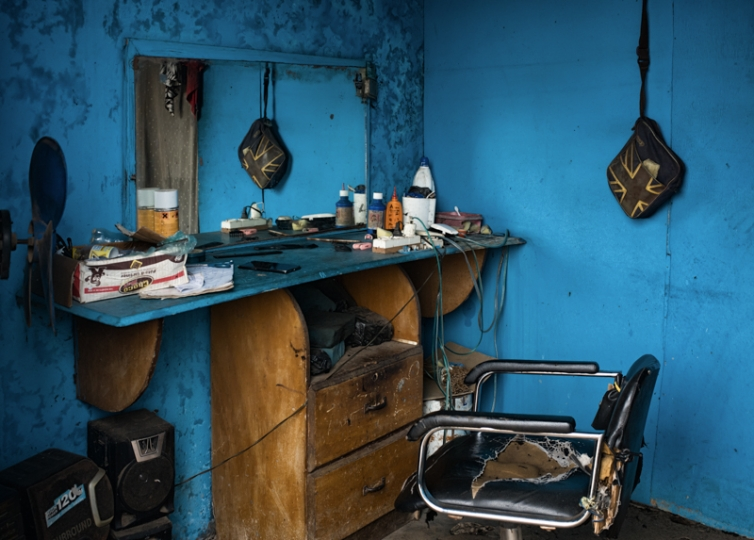 'Tropical Hair Salons' © Laurent Muschel