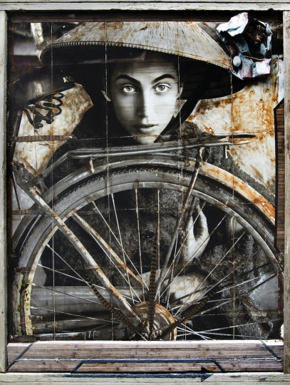 Bicycle Girl © Raphael Mazzucco - The Never-Ending Summer