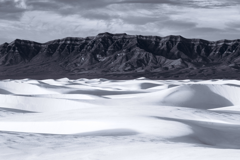 Black & White, White Sands NM, New Mexico, USA © Tom Jacobi