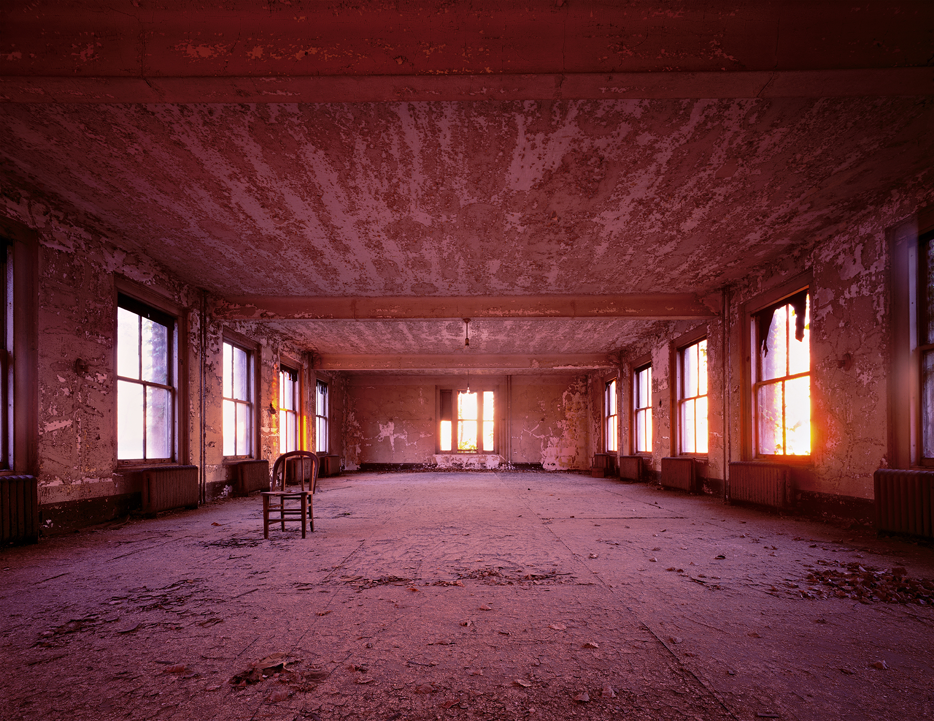 Measles Ward, Red Sunset, Island 3 © Stephen Wilkes – Courtesy Monroe Gallery of Photography