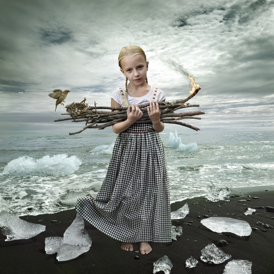 Fire and Ice - Hearts and Bones © Tom Chambers