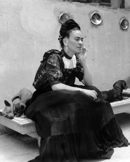 Lola Álvarez Bravo - Frida Kahlo with her dogs. ca 1944