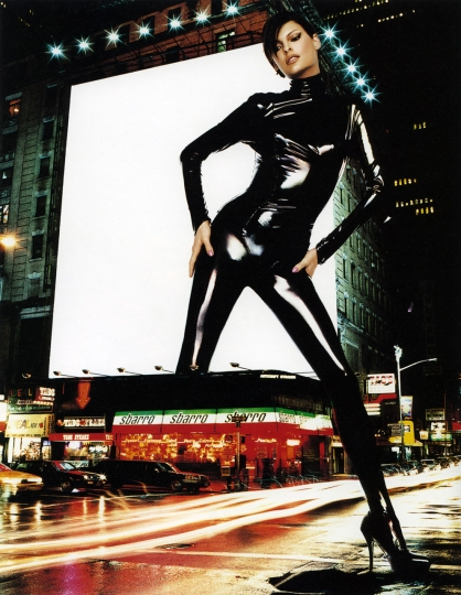 Plaza Fashion Spirit - Linda Evangelista in Mugler, Time Square © Thierry Le Goues