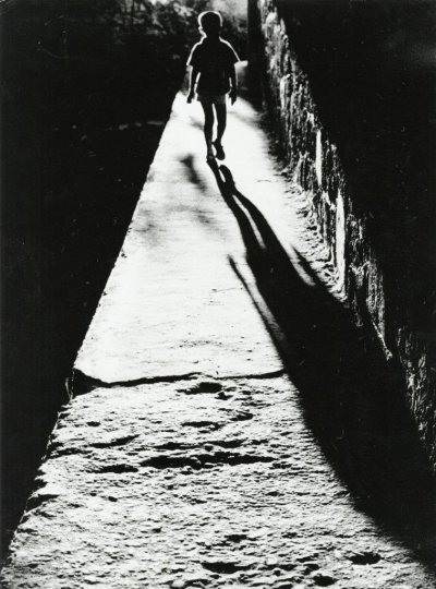 Sante Vittorio Malli, Notturno n. 1 (Night #1), 1957 Gelatin silver print © Heirs of Sante Vittorio Malli, courtesy Howard Greenberg Gallery, New York