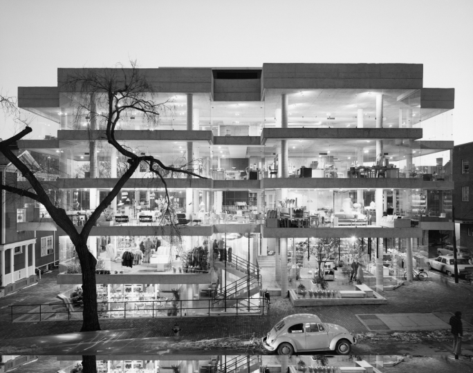 Design Research. Benjamin Thompson. Cambridge, MA, 1970 © Ezra Stoller, Courtesy Yossi Milo Gallery, New York