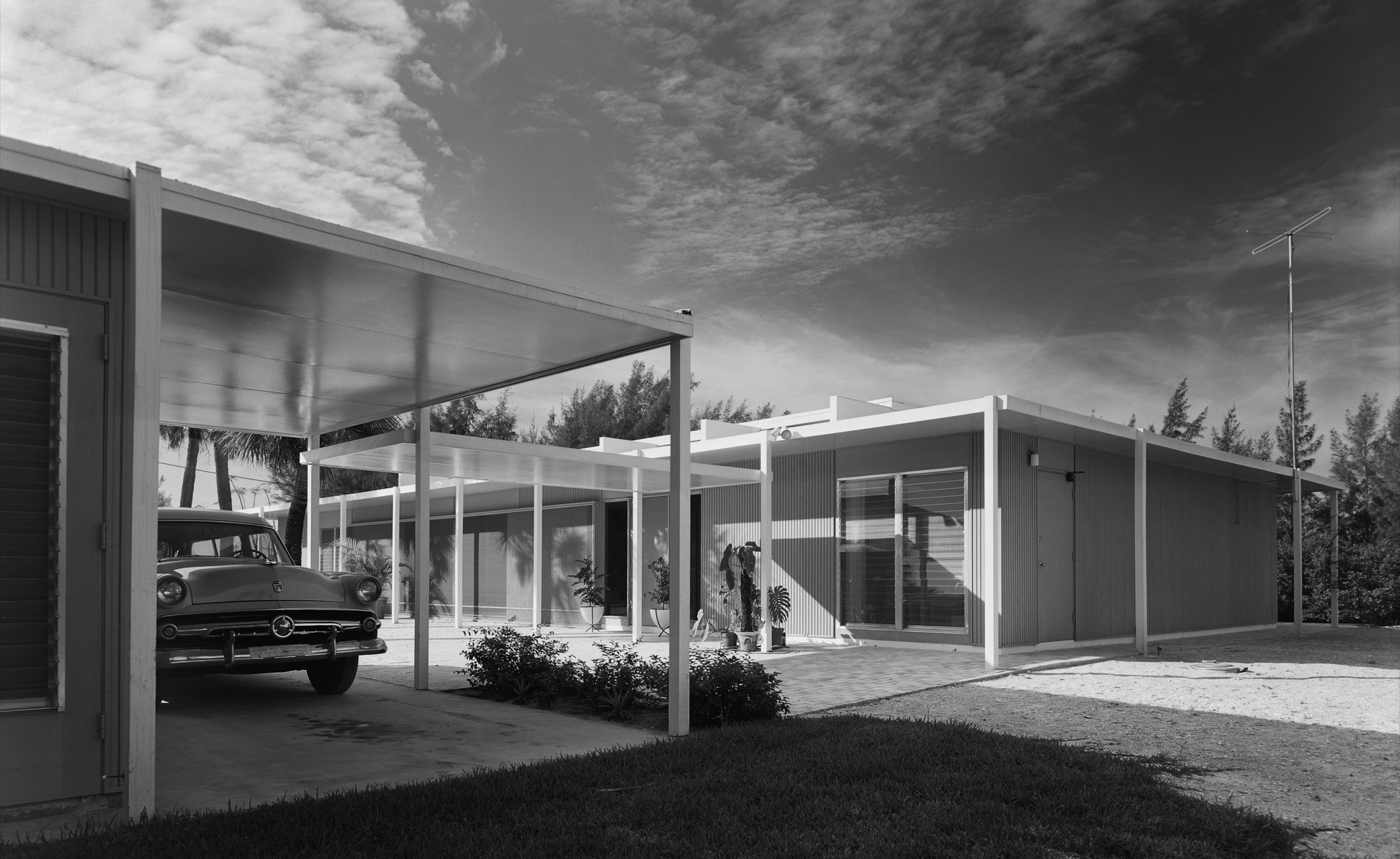 Cohen House. Paul Rudolph. Siesta Key, FL, 1955 © Ezra Stoller, Courtesy Yossi Milo Gallery, New York