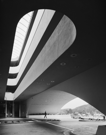 Marin County Civic Center. Frank Lloyd Wright. San Rafael, CA, 1963 © Ezra Stoller, Courtesy Yossi Milo Gallery, New York