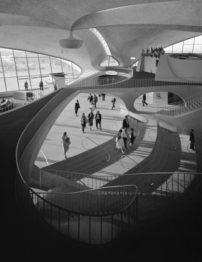 TWA Terminal at Idlewild (now JFK) Airport. Eero Saarinen. New York, NY, 1962 © Ezra Stoller, Courtesy Yossi Milo Gallery, New York