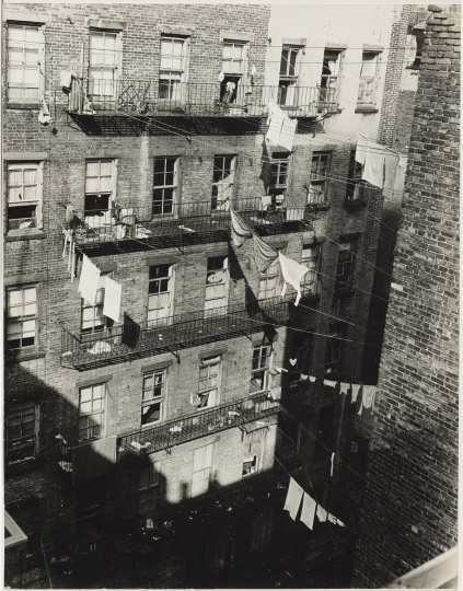 Sid Grossman. Untitled (apartment windows and wash lines), ca. 1940. Gelatin silver print. 9 x 7 inches. Collection Pérez Art Museum Miami, gift of Steven E. and Phyllis Gross. © Estate of Sid Grossman/Courtesy of Howard Greenberg Gallery, NY.