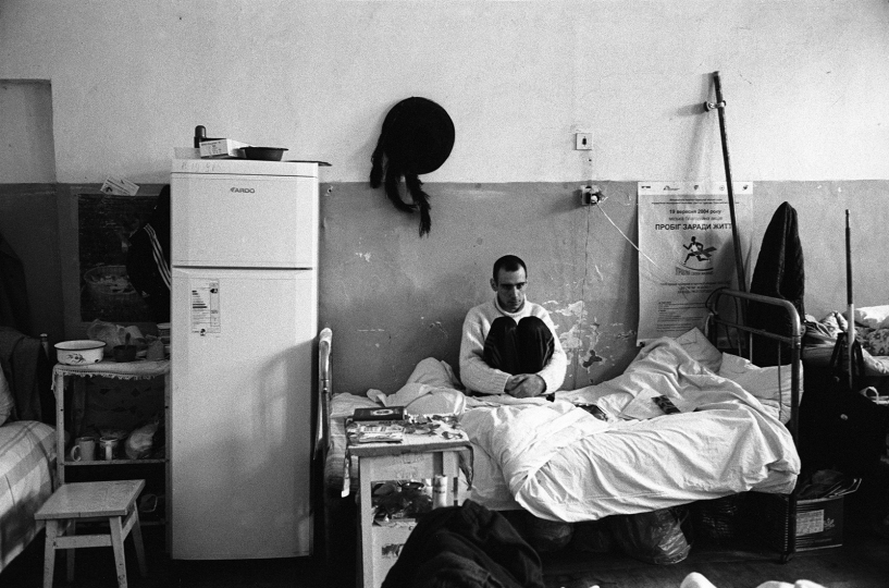 A patient suffering from AIDS. He died in two weeks. General Infectious Diseases Hospital, STD-wing. Men´s ward. , Odessa, February 2005 © Alexander Glyadyelov