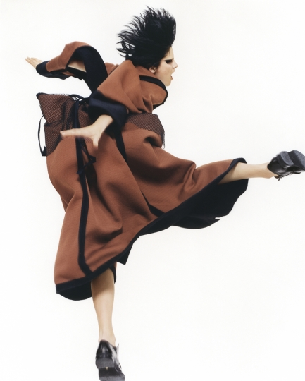 David Sims British, born 1966 Yohji Yamamoto, Autumn/Winter 1995, 1995 Chromogenic print 88.9 x 71.1 cm (35 x 28 in.) Courtesy of and © David Sims