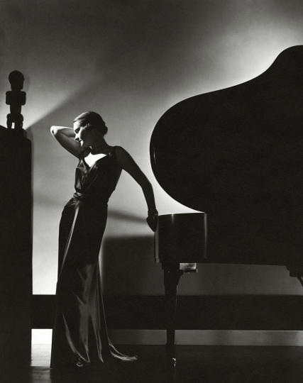 Edward Steichen American, born Luxembourg, 1879–1973 Perfection in Black; Margaret Horan, 1935 Gelatin silver print 25.4 x 20.3 cm (10 x 8 in.) Courtesy of and © Condé Nast / Vogue, November 1, 1935