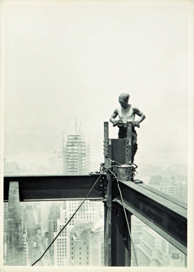 Lewis Hine (1874-1940, États-Unis), On the Hoist, Empire State Building, 1931