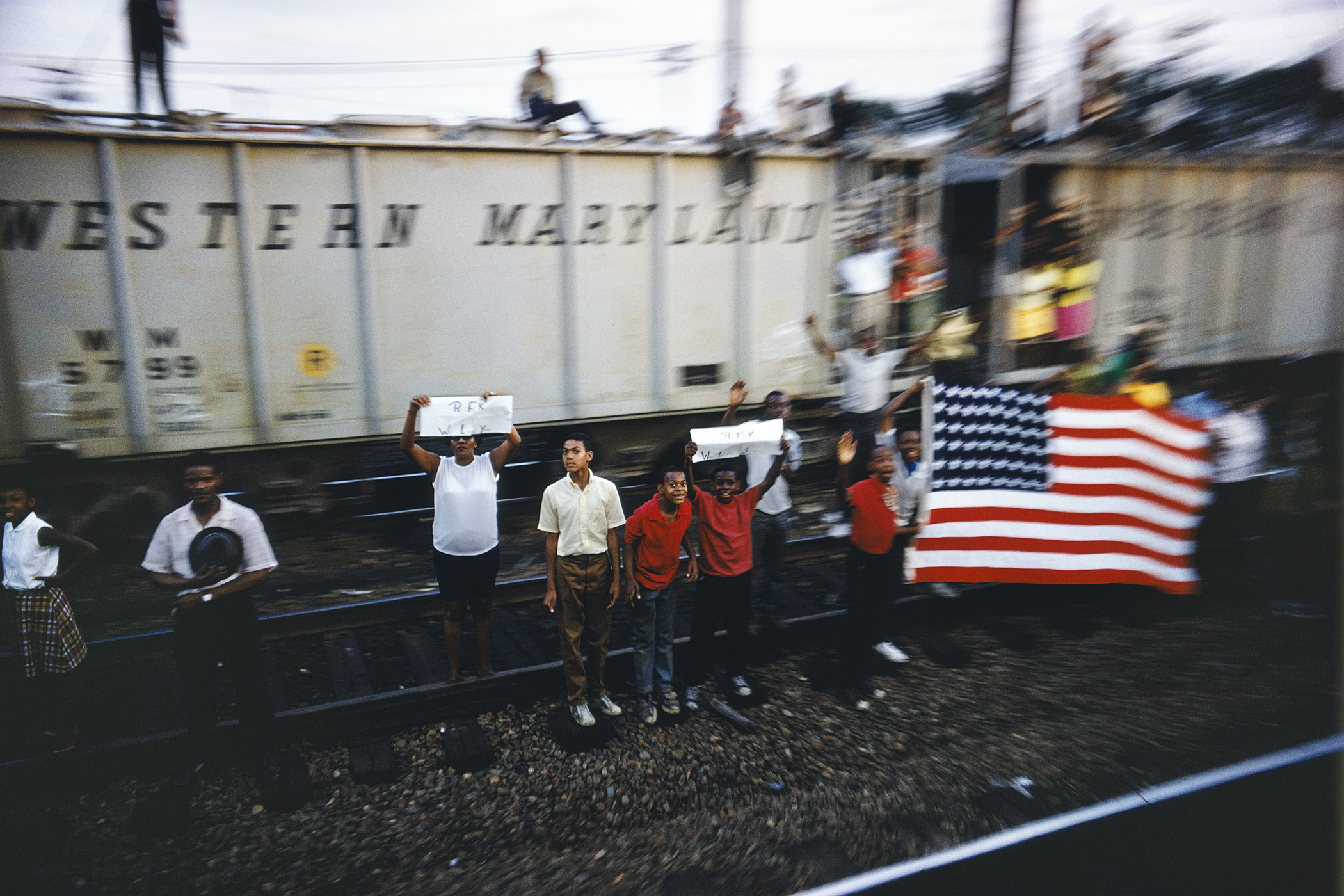 Paul Fusco, Untitled, from the series RFK Funeral Train, 1968 © Magnum Photos, courtesy Danziger Gallery